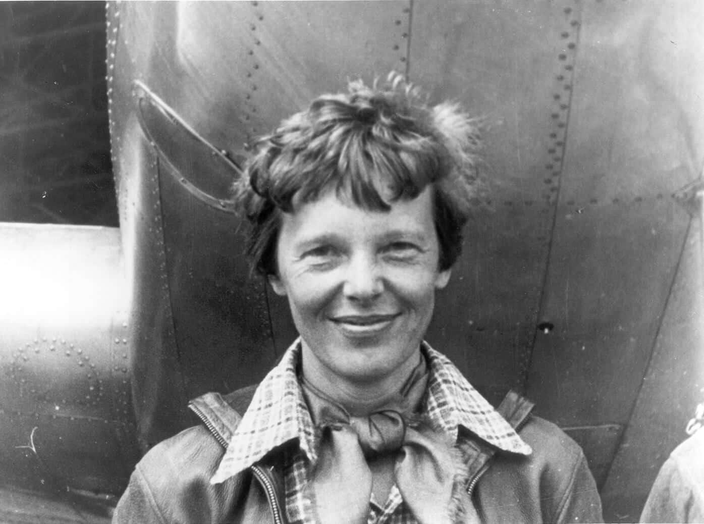 Amelia Earhart-Escuela de Aviadores