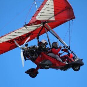 vuelo en ala delta con motor escuela